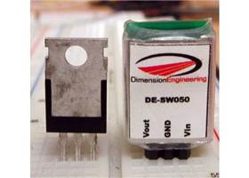 DE-SW050 next to a 7805 regulator
